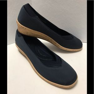 NWOT Grasshoppers Cork Look Wedge Shoes Navy 10M